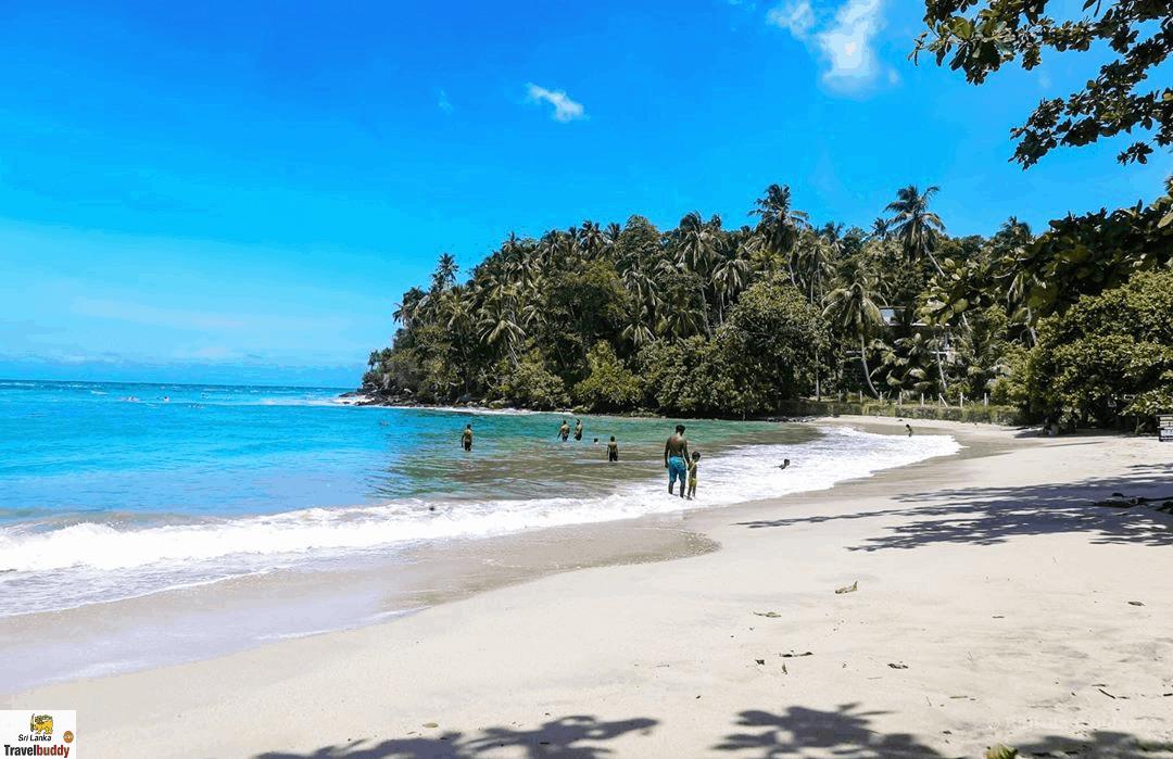 hiriketiya beach srilanka